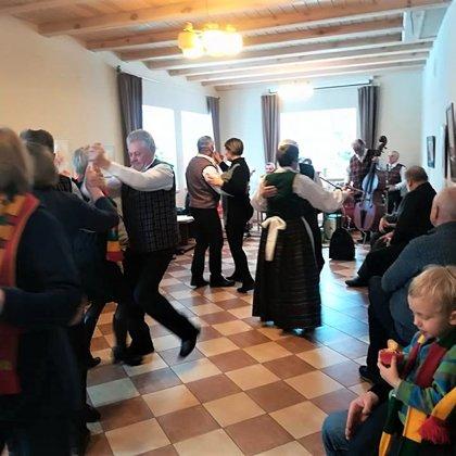 Bendruomenės šventiniai šokiai